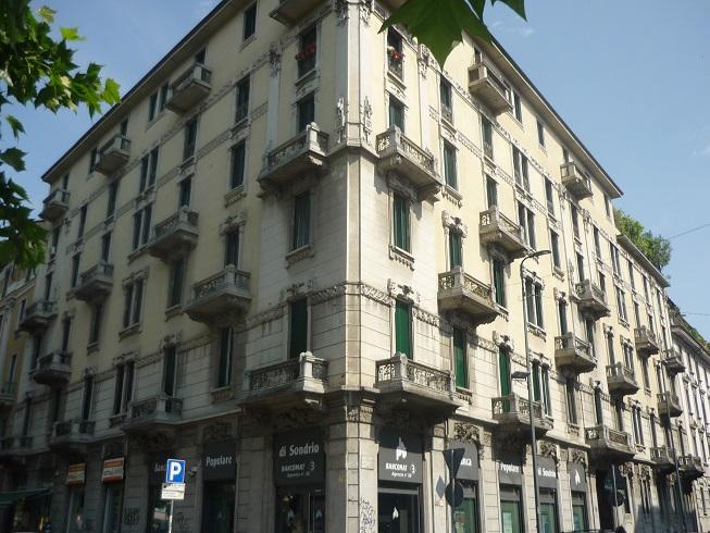 Foto Facciata Esterna Via Emiliani, 1 (4)